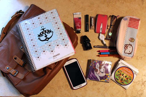 what's in my bag? grad school edition
