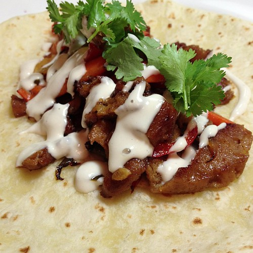 Dinner: Seitan and Veg Fajitas w. Cashew Creme and Cilantro #vegan