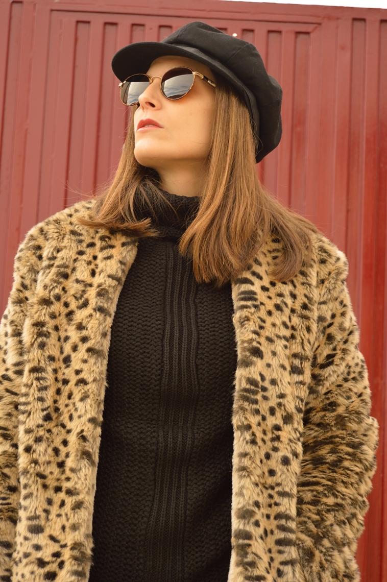 lara-vazquez-madlula-style-blog-leo-coat-60's-black-hat