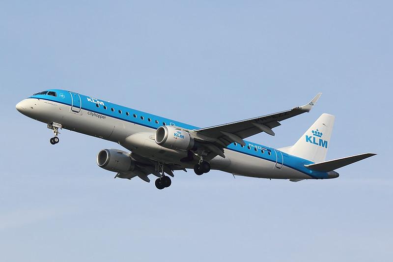 KLM - E190 - PH-EZZ (1)
