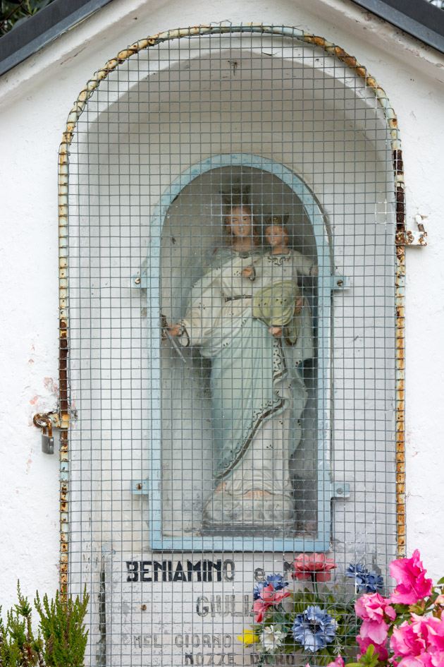 italian shrine with mary and baby jesus