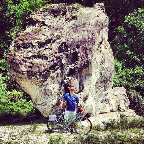 What up, I found a big rock. #katytrail #surly #crosscheck