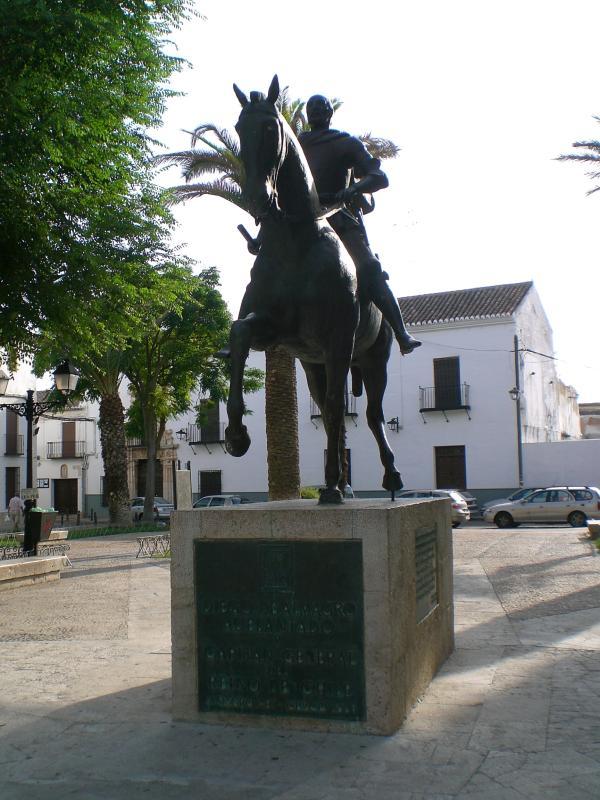 Estatua ecuestre de Luis Zamarreno en Almagro. Autor, Luiszamarreno