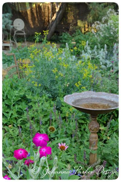 Summer-Garden-Birdbath2