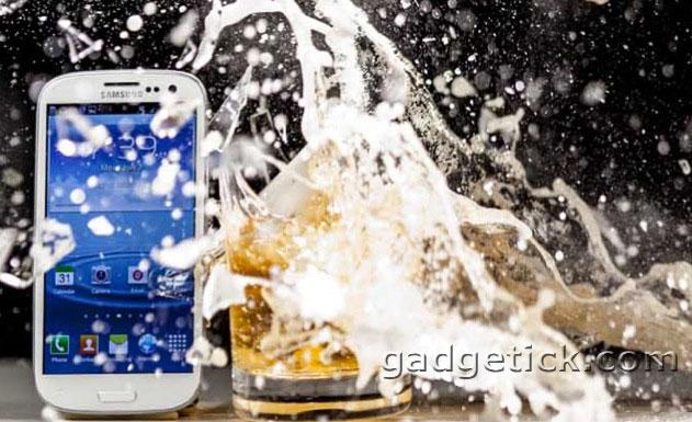 защитные наклейки для iPhone 4S и 5