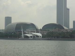 Esplanade Theatres जवळ सिंगापुर की छवि. river bay singapore esplanade durian sg theatres kallang –