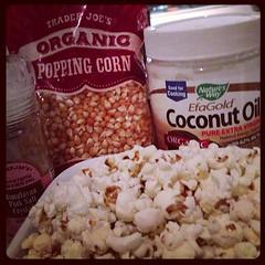 meal(0.0), breakfast(0.0), produce(0.0), kettle corn(1.0), food(1.0), dish(1.0), snack food(1.0), popcorn(1.0),