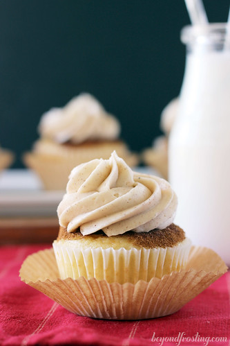 Coffee Cake Snickerdoodle Cupcakes   beyond frosting.com   #cupcakes #coffeecake #snickerdoodle