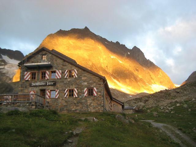 Sonnenaufgang an der Darmstädter Hütte