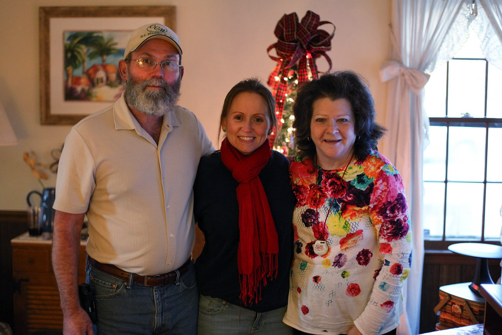 joni-mom-dad-christmas