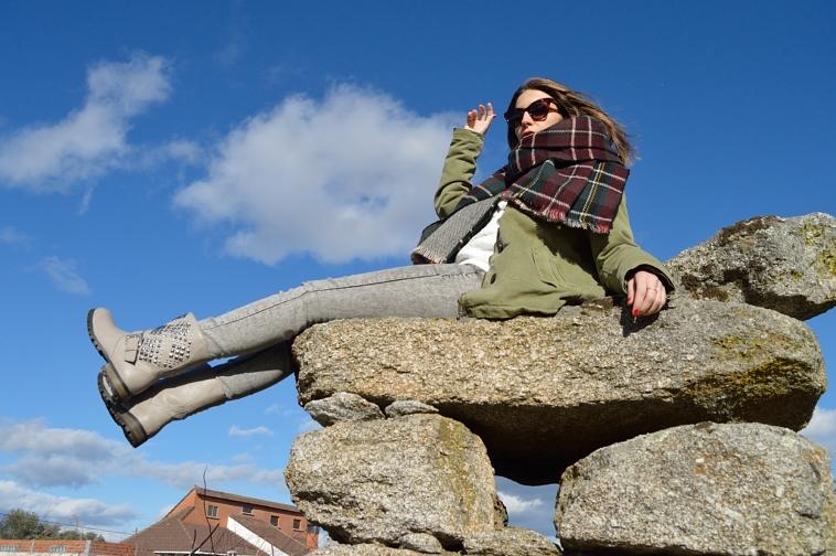 lara-vazquez-madlula-blog-fashion-parka-winter-plaid-foulard