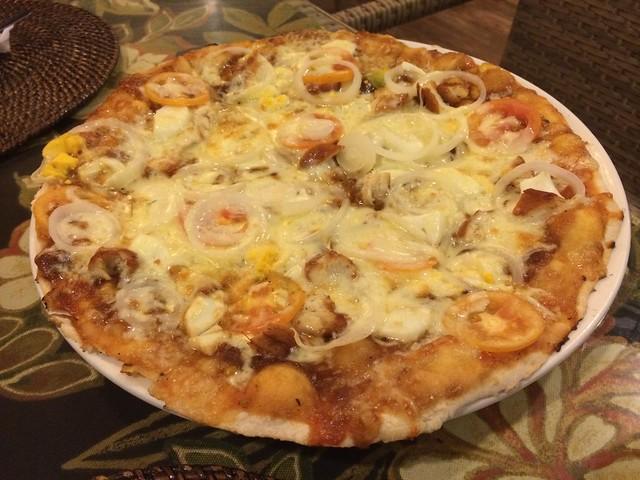Filipina pizza - Paraiso Grill