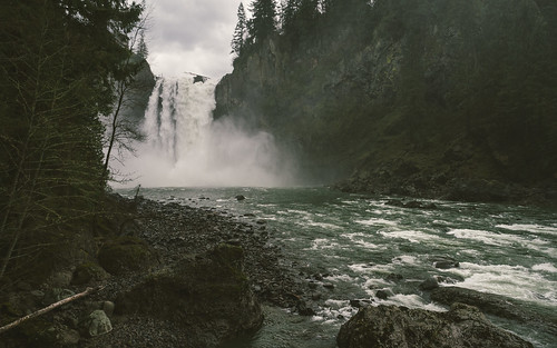 snoqualmiefalls waterfall pacificnorthwest water mist nature scenic 1610 olympusmzuikoed12mmf20 olympusomdem5 johnwestrock microfourthirds
