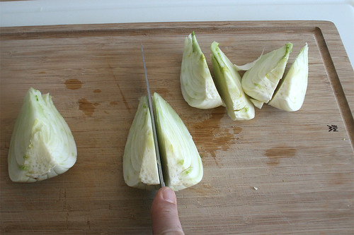 19 - Fenchelknolle achteln / Divide fennel into eights