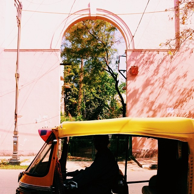 A beautifully mundane morning #delhi #india #rickshaw