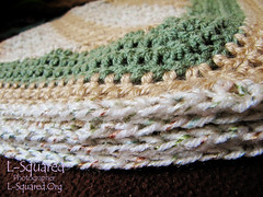 One more close up of the blanket edge to better show the neat colored flecks in the white yarn.