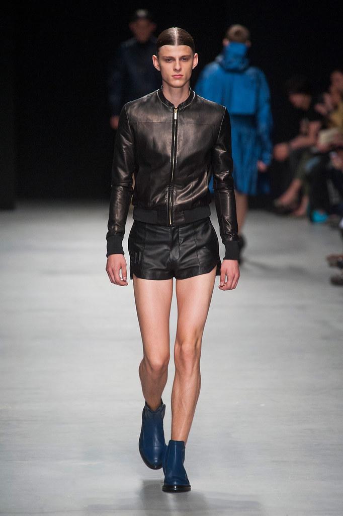 SS14 Paris Juun J.034_Elvis Jankus(fashionising.com)