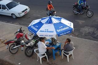 Mesa de venda de bilhetes em Oriximiná
