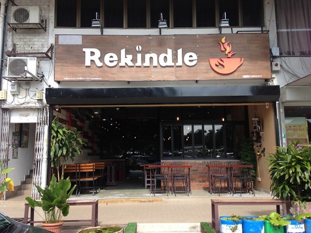 Rekindle Cafe, SS2 - coffee and cakes