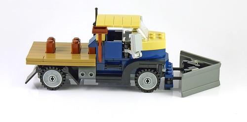 LEGO 10229 Winter Village Cottage a05