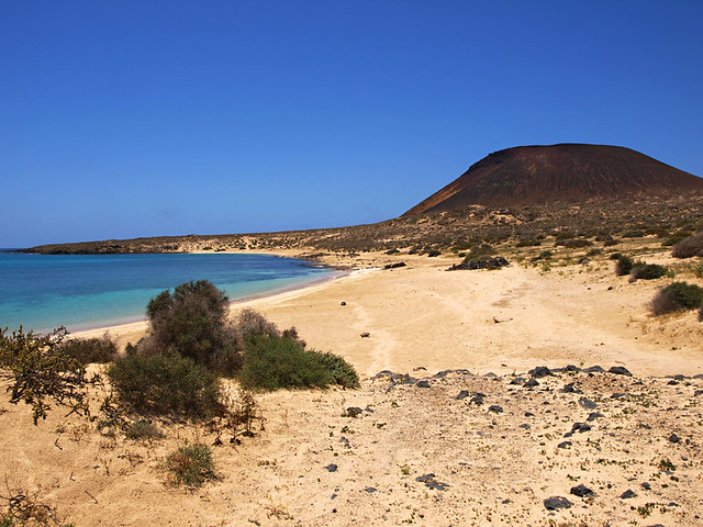 Empty beaches, La Graciosa, Lanzarote