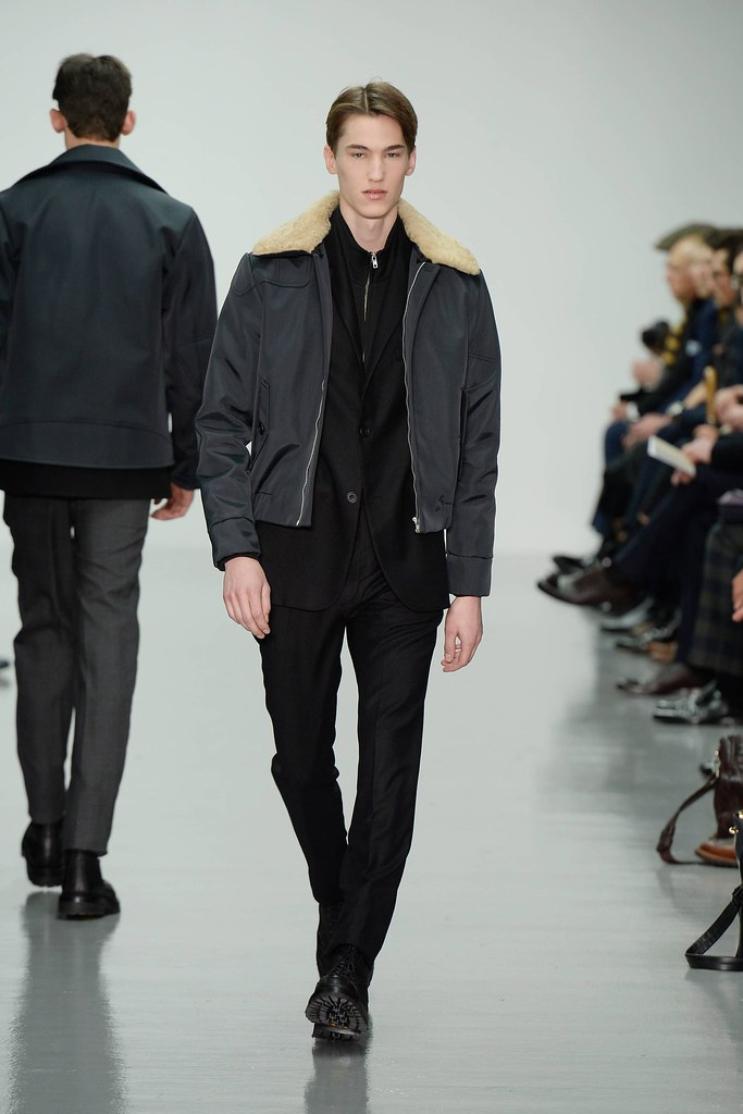 FW14 London Lou Dalton009_Kristoffer Hasslevall(VOGUE)