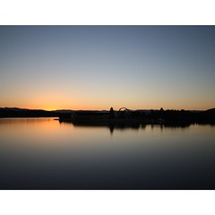 Exquisite #sunset over #lakeburleygriffin overlooking the #nationalmuseum of #australia