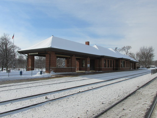 Wintertime at the Riverside Illinois Metra commuter rail station.  February 2014. by Eddie from Chicago