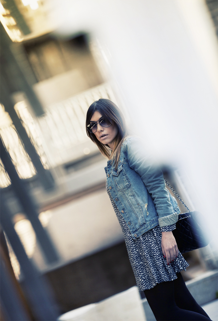street style barbara crespo zara dress and boots denim jacket fashion blogger outfit blog de moda