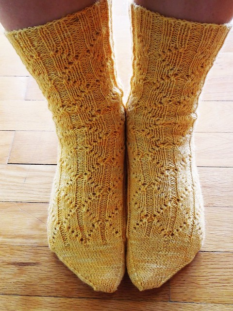 Romvos - Sock knitting pattern by Alexandra Nycha