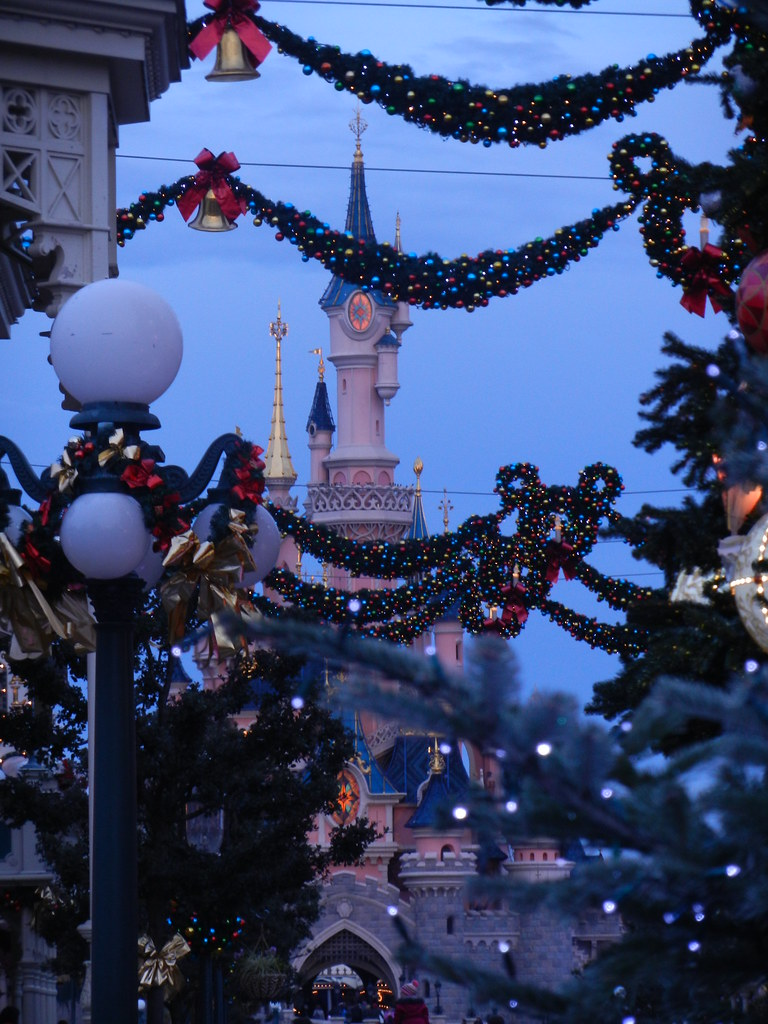 Un séjour pour la Noël à Disneyland et au Royaume d'Arendelle.... - Page 2 13643233915_3f79dd9d9c_b