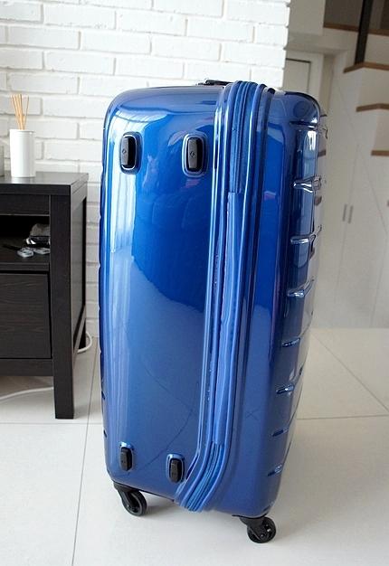 新秀麗行李箱05