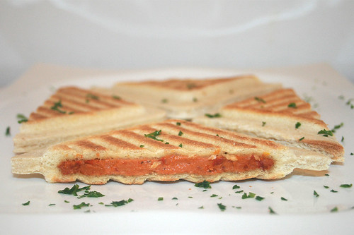 09 - Hochland Toast it! Käse, Tomate & Kräuter / Cheese, tomato & herbs - Seitenansicht / Side view