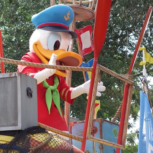 Mickey's Jammin' Jungle Parade。ドナルドさん。