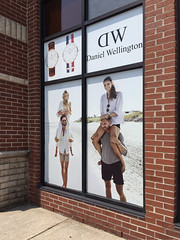 DW INVISA-VIEW PERFORATED VINYL (Outdoor Application)