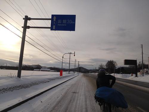 道がつまらんので近くて遠い函館