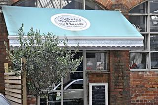 http://hojeconhecemos.blogspot.com.es/2013/05/eat-gelados-chef-nino-lisboa-portugal.html