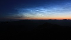 Noctilucent clouds in the northwest