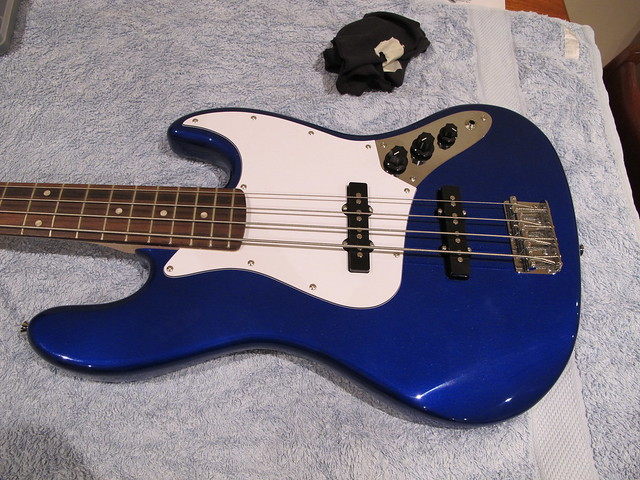 just pimped out my squier affinity j bass the gear page. Black Bedroom Furniture Sets. Home Design Ideas