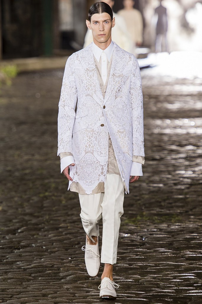 SS14 London Alexander McQueen003_Mattias Hok(vogue.co.uk)