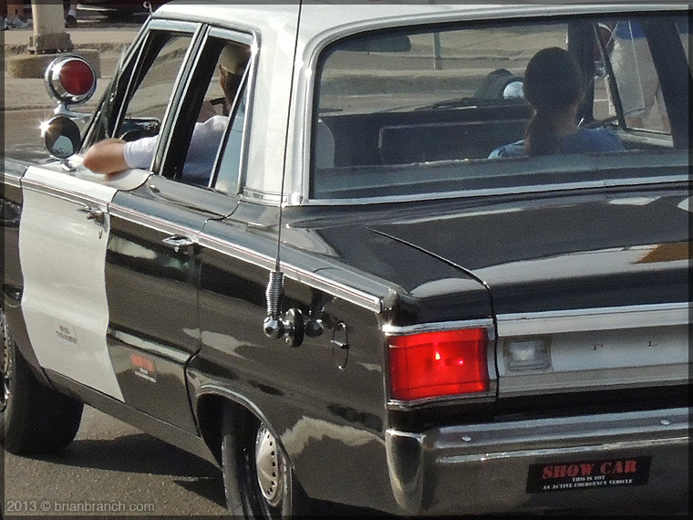 DSCN1871_police_show_car