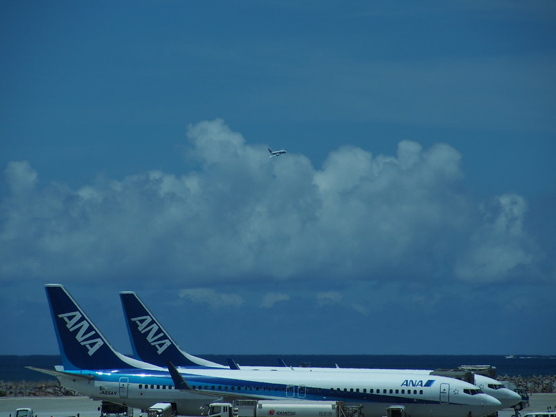 Naha AP. 那覇空港, Approaching to the Runway.