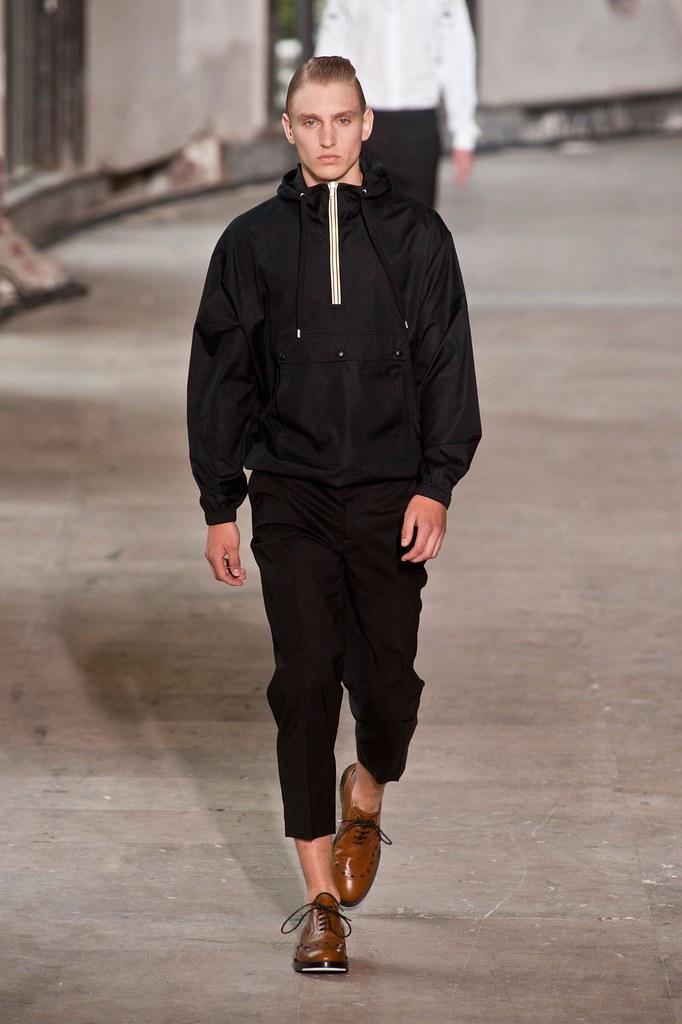 Jeroen Smits3048_SS14 Psris Kris Van Assche(fashionising.com)