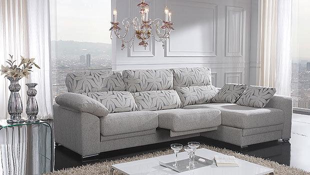 Sofa de 3 plazas con cheslong en color gris claro y for Sofas 3 plazas mas cheslong