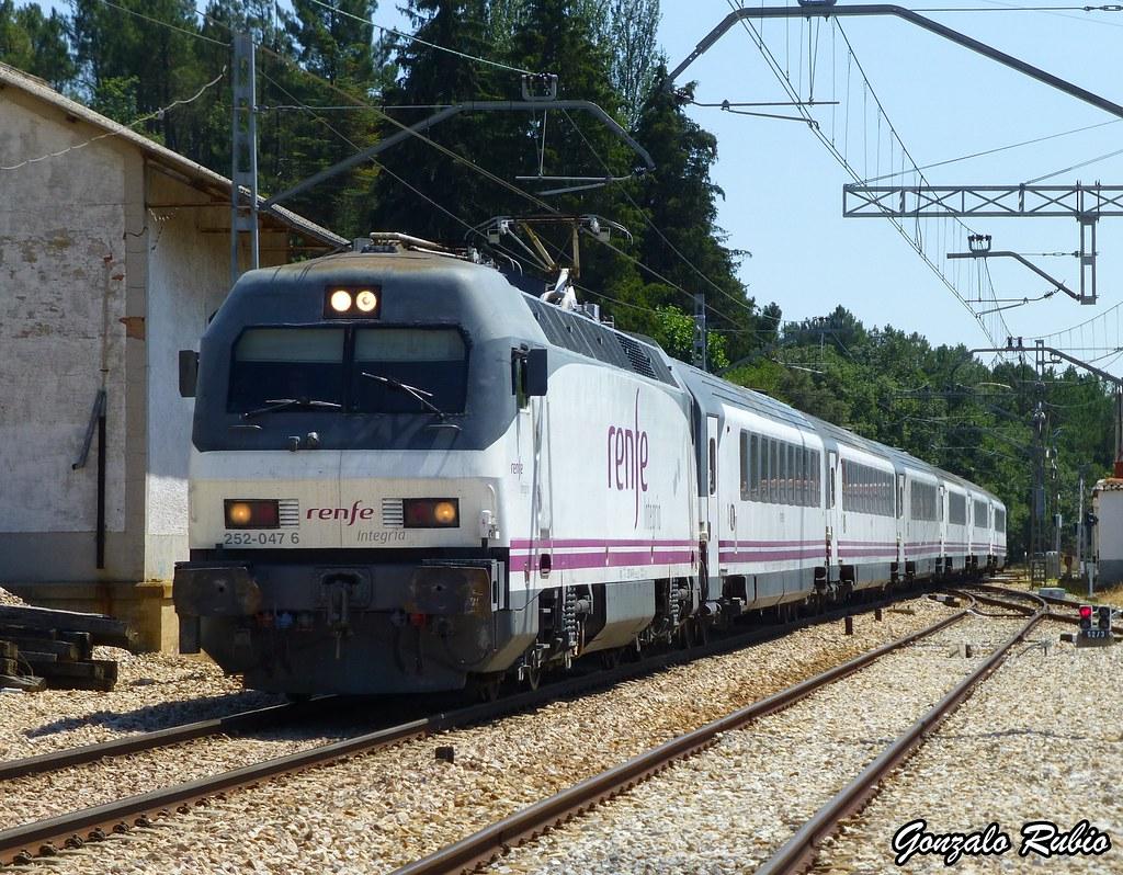 Circulaciones Especiales, Locomotoras de Renfe Integria 9509444280_fc64f3f132_b