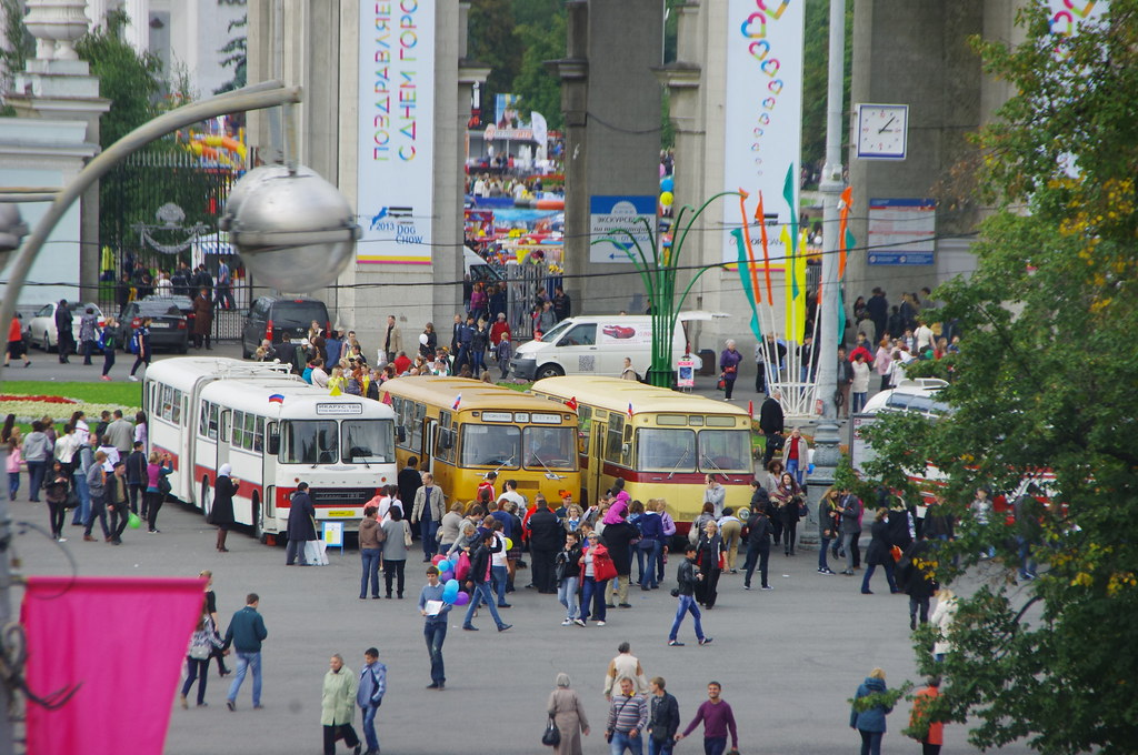 Moscow exibition of museum buses