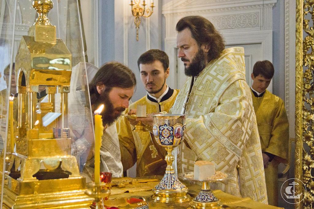 8 сентября 2013, Божественная литургия Неделю 11-ю по Пятидесятнице