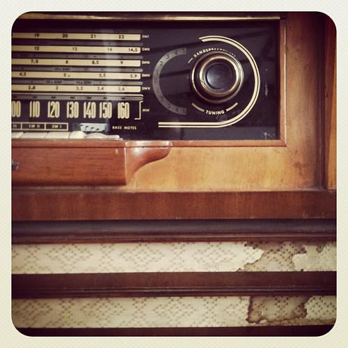 La radio del abuelo / The radio of the grandfather