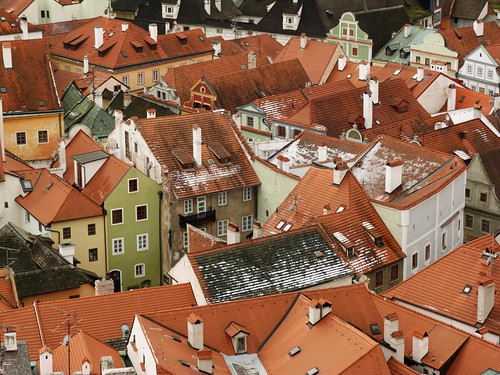Tejados seminevados de Cesky Krumlov (Bohemia del Sur, República Checa)