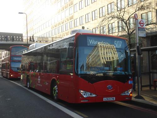London General EB1 on Route 507, Waterloo
